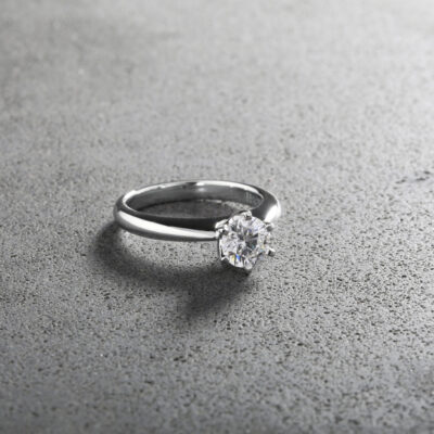 Six Claw Solitaire Ring