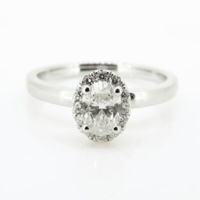 Oval Halo Solitaire