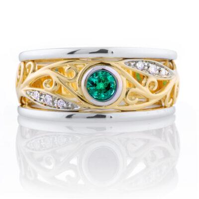 Round Emerald Filagree Ring